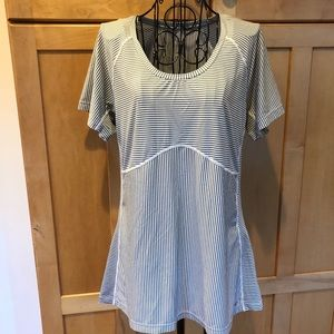 Merrell grey and white short sleeve workout Top L